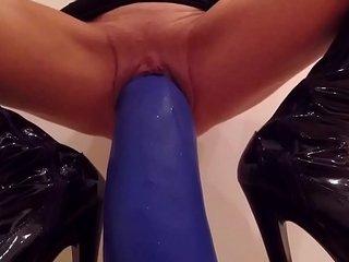 fetish blonde with huge dildos